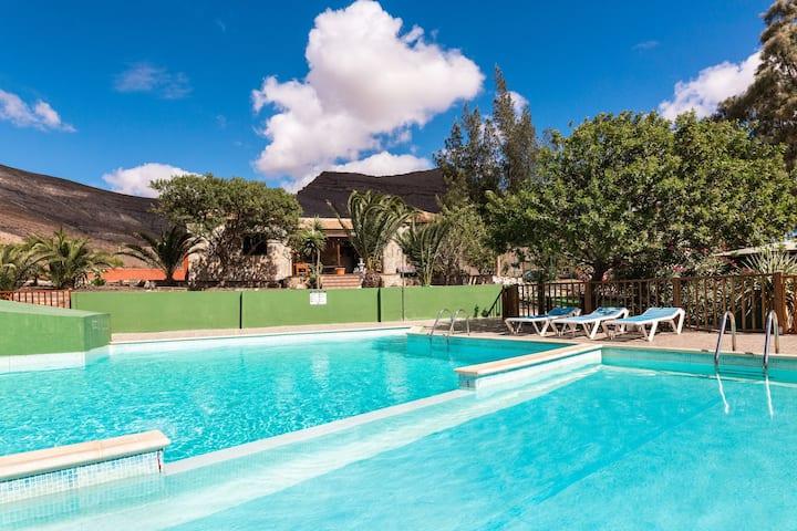 "Spacious Villa ""Vivienda Vacacional Sara"" with Mountain View, Wi-Fi, Terrace, Garden, Pool & Basketball Court; Parking Available"