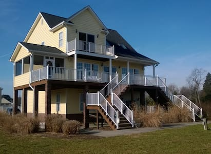 Waterfront Wonder, Cottage on the Rappahannock - Water View - Casa