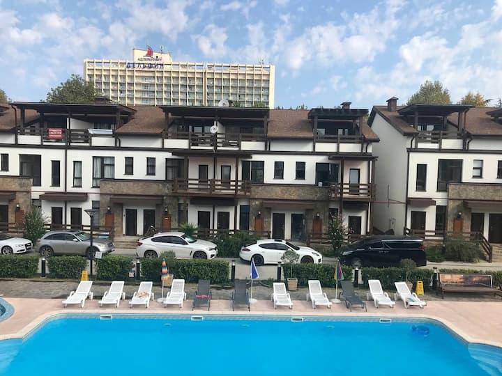 Двухуровневые Апартаменты Мандарин парк