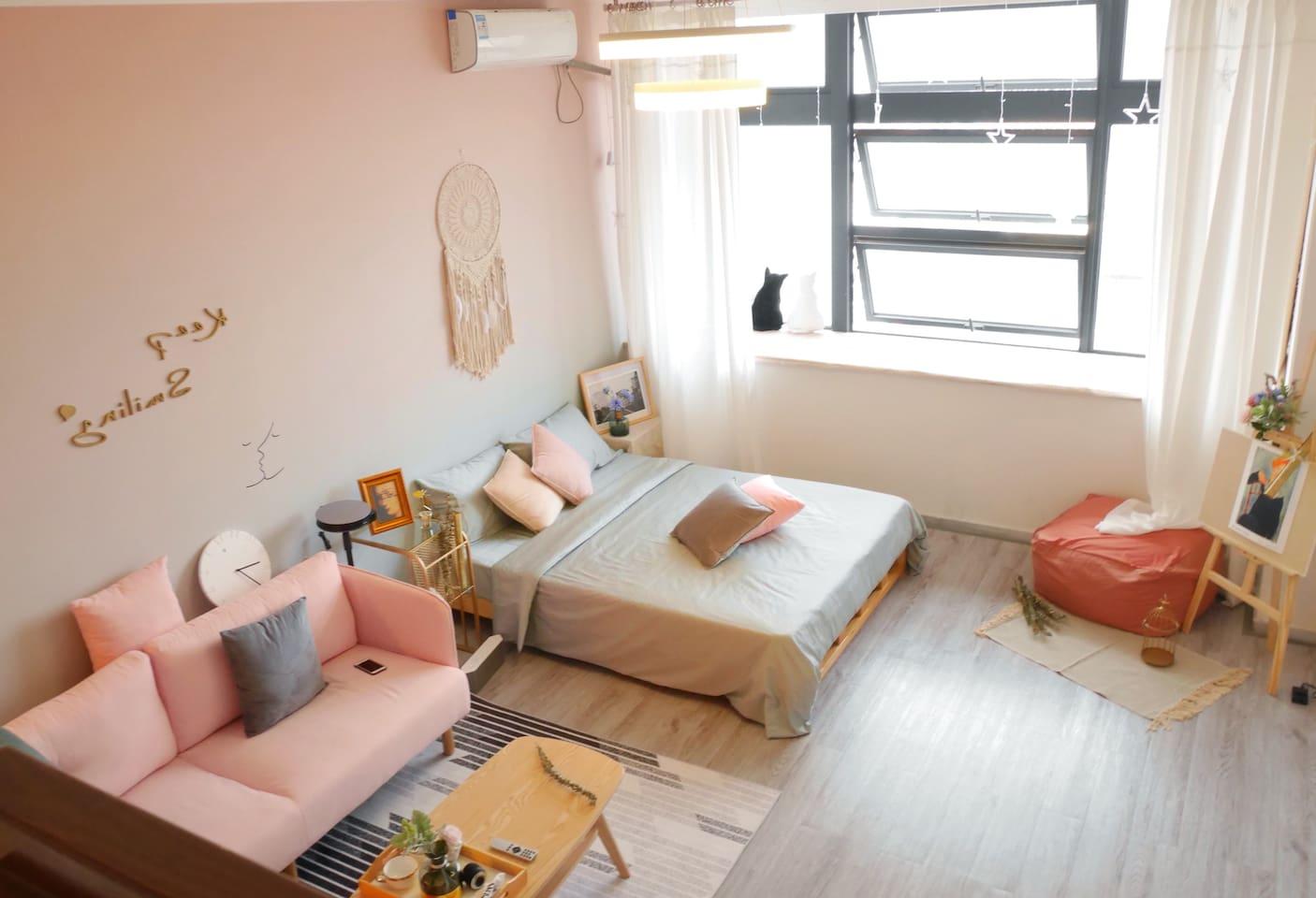 loft挑高结构楼中楼双大床房超大飘窗带百寸投影仪~以下照片都是实拍哟