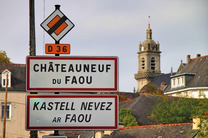 Schleusenhaus Frankreich - Châteauneuf-du-Faou - Huis
