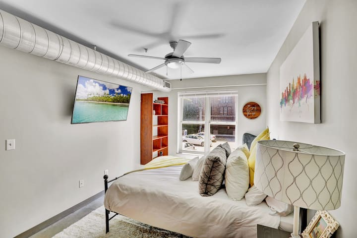 Queen size frame equipped with the perfect mattress. You could sleep all day! Make sure to set an alarm! Plenty of throw pillows with a matching throw blanket.Of course all white sheets to set the tone of luxury.