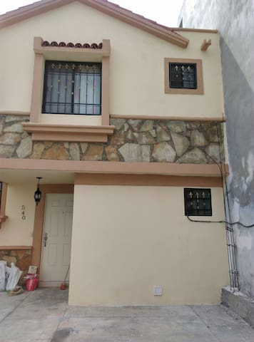 Casa amueblada fracionamiento  privado SAN NICOLAS
