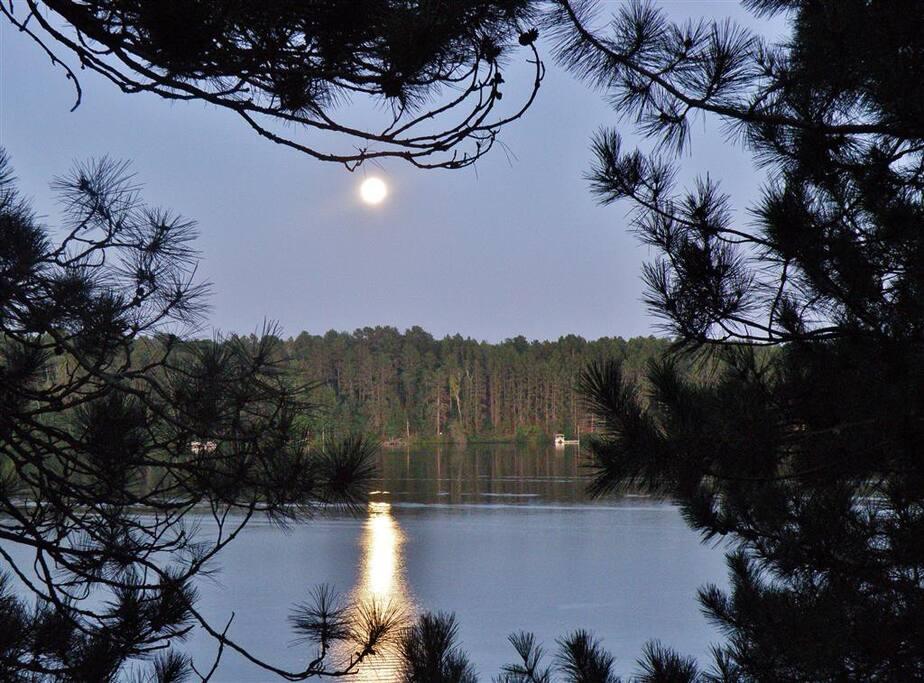 Enjoy stunning lake views!
