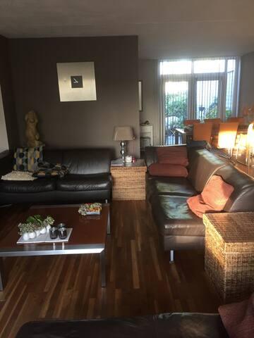 De woonkamer,  55 m2