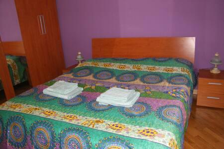 stanza da letto patronale con balcone privato