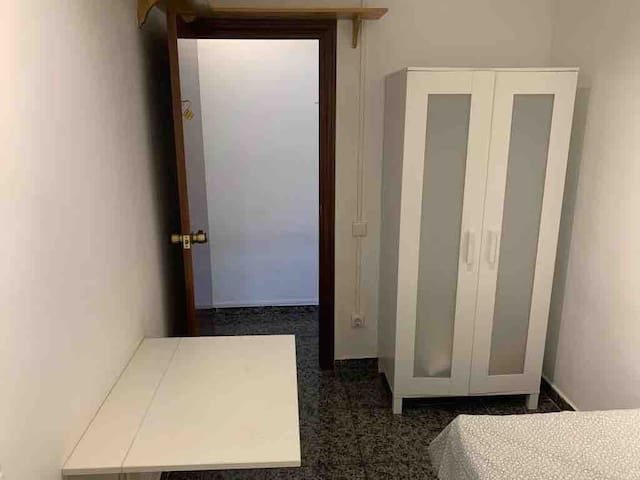Double room close to the metro