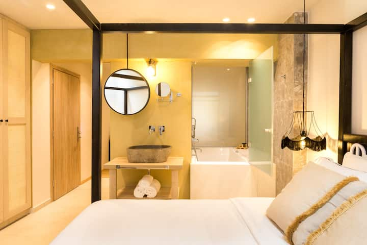 2-Bedroom King Suite with Hot Tub - Adults Only