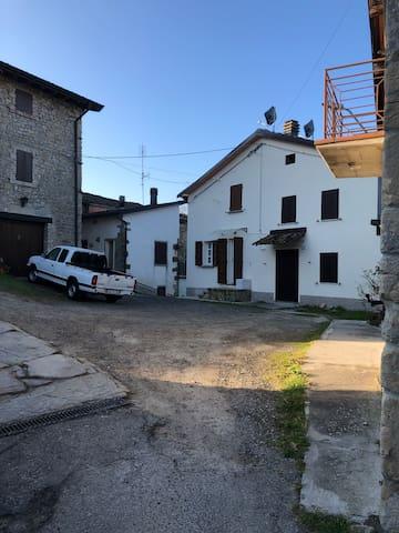 Pietra di Bismantova Appennino Emiliano