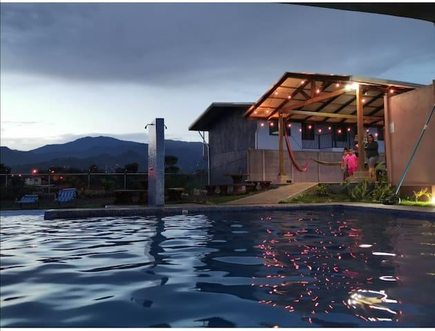 Apartamento para hospedarse equipado y con piscina