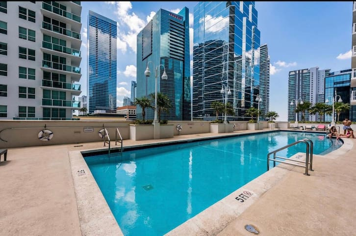 sparkling apt  brickell miami parking included