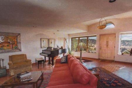 Elegant, Spacious, Comfortable Home in Galisteo - Galisteo - Casa