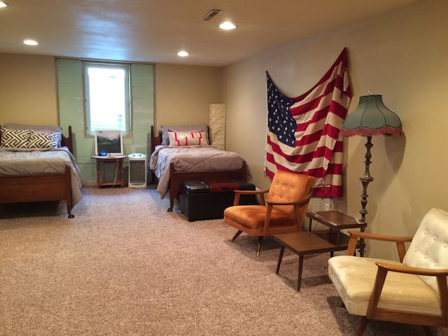 Ranch Style home, Private Basement Room