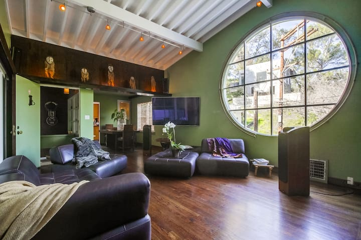 **Laurel Canyon Zen Architectural* Just off Sunset