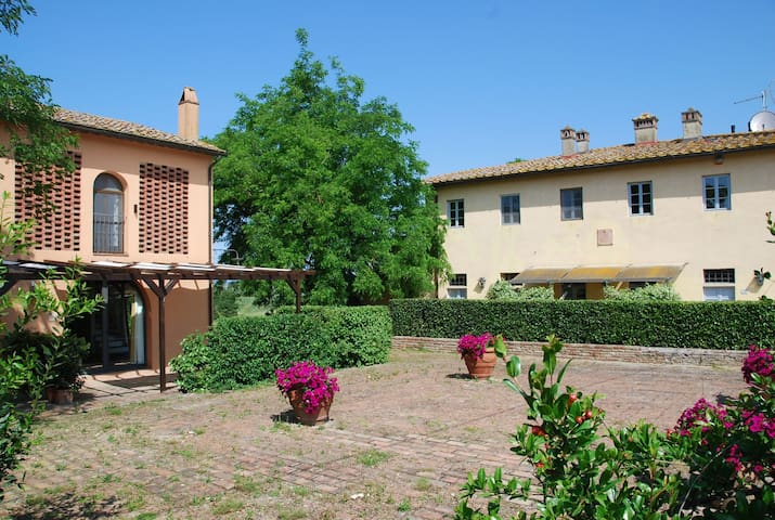 Cabbiavoli Farmhouse - Yellow Barn - Melo - Castelfiorentino - อพาร์ทเมนท์