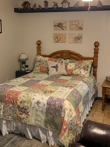 Queen size bed  Twin or queen air mattress also available for extra guests