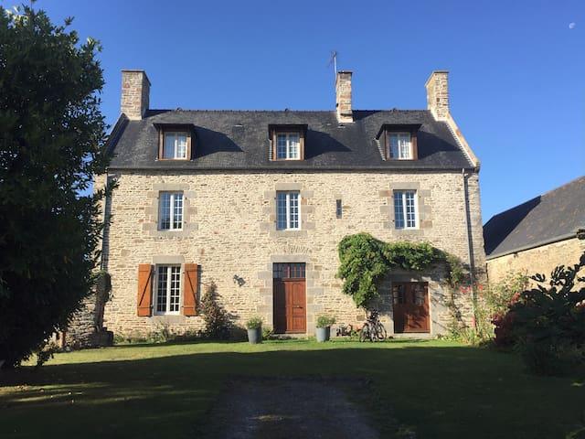 L'ancien Presbytère d'Ardevon/Mont Saint-Michel