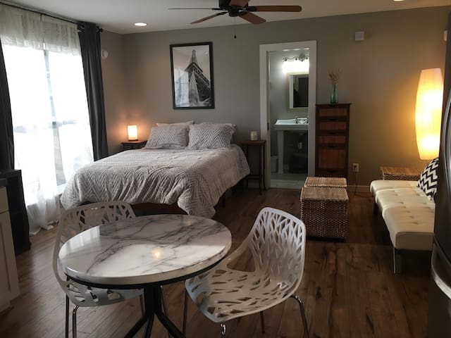Charming studio in the heart of North Chattanooga