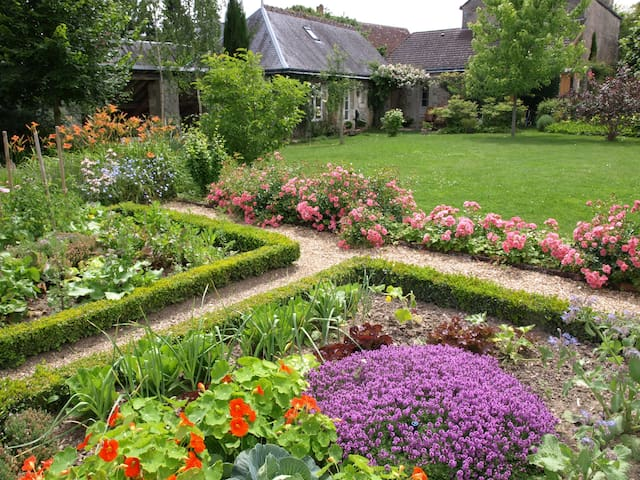 Le Petit Villandry - Garden view room Rosa