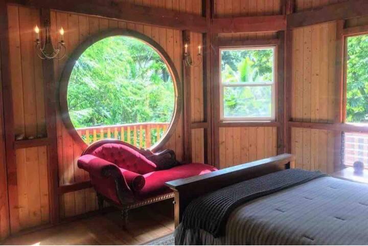 Gorgeous loft cabin