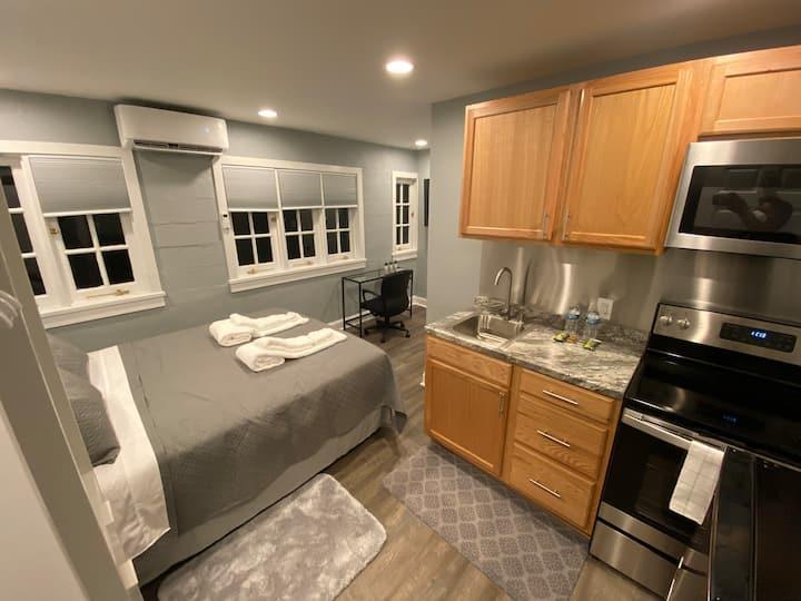 New - Clean, Simple, Cheap 2nd Floor Studio Apt #3