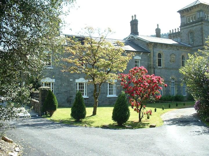 Coed y Celyn Hall Apt2. Betws-y-Coed Snowdonia