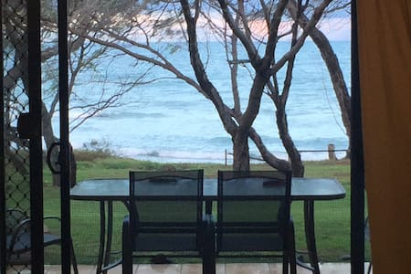 Coral Cove  Golf Resort via Bundaberg