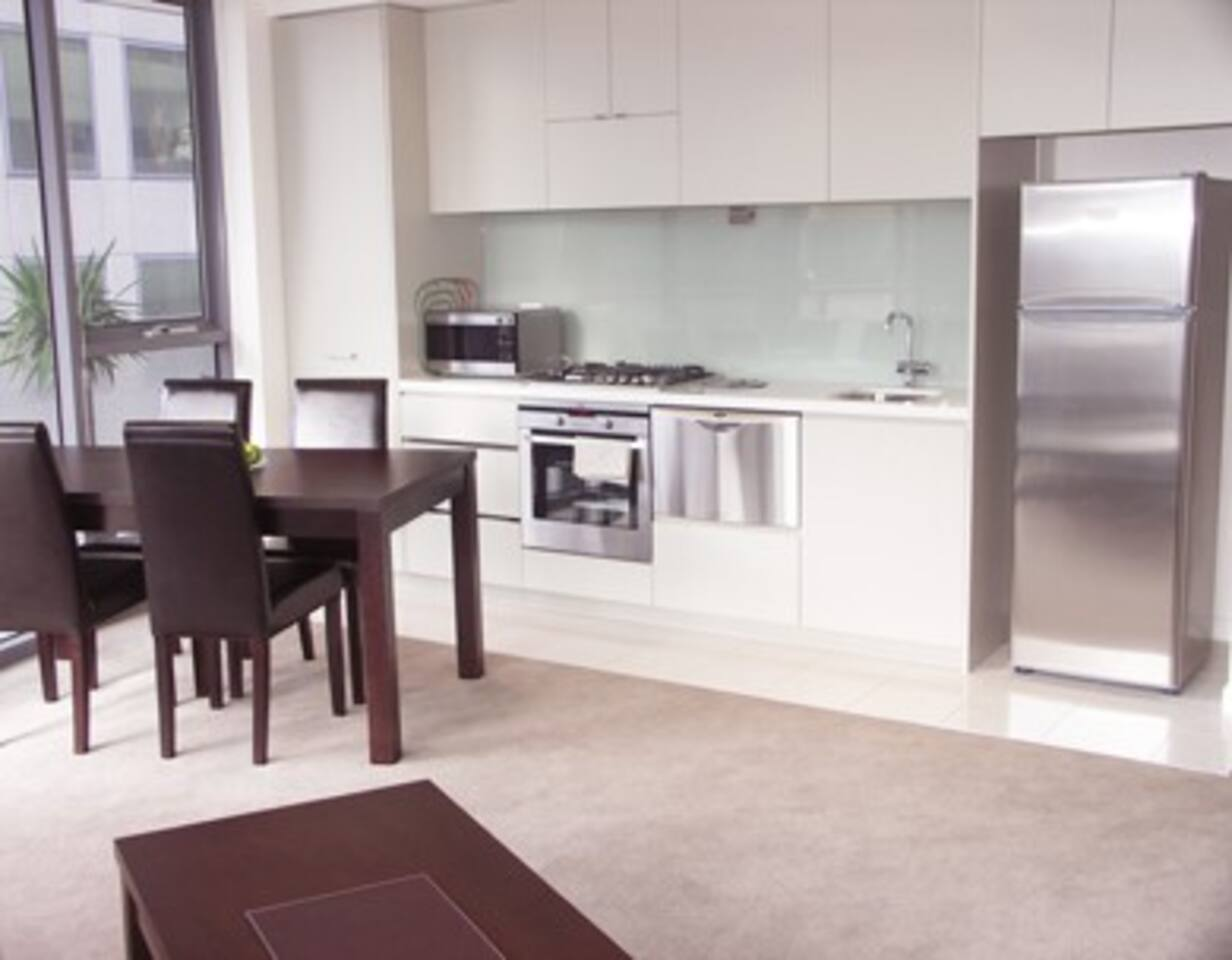 Executive Apartment @ Grosvenor on Queens