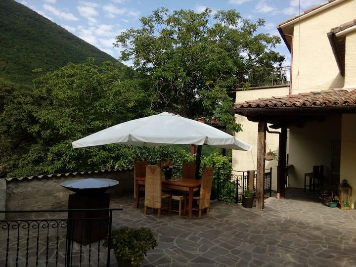 Chiaserna : Maison et terrasse indépendantes.