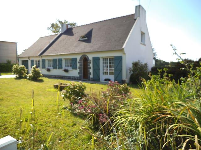 Maison véranda jardin, Dirinon proche Landerneau - Dirinon - Casa