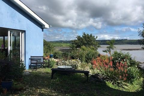 Tíg Barra, two bed cottage.