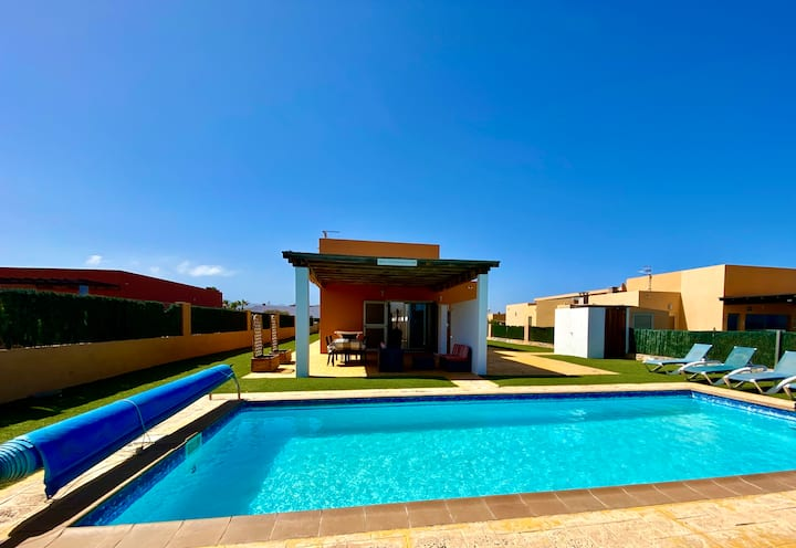 Villa Ballesteros with Pool, Golf & Sea Views