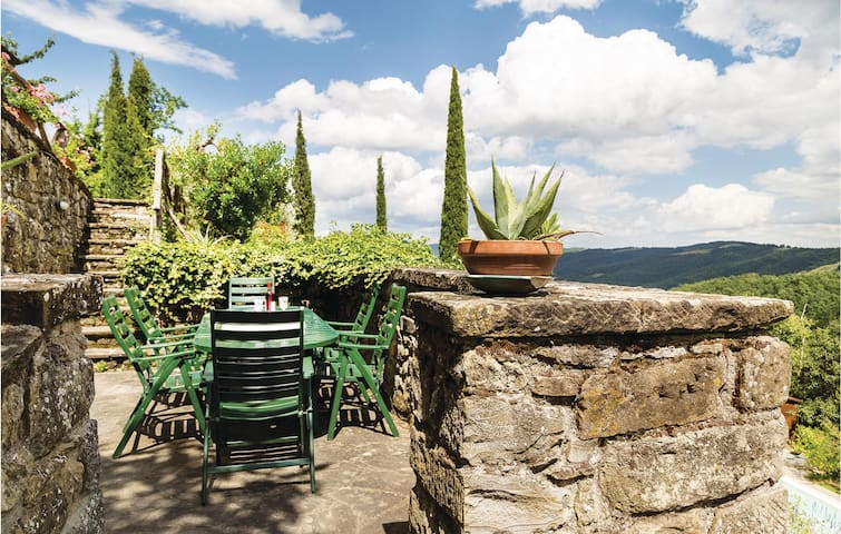 Holiday cottage with 2 bedrooms on 160m² in Morra