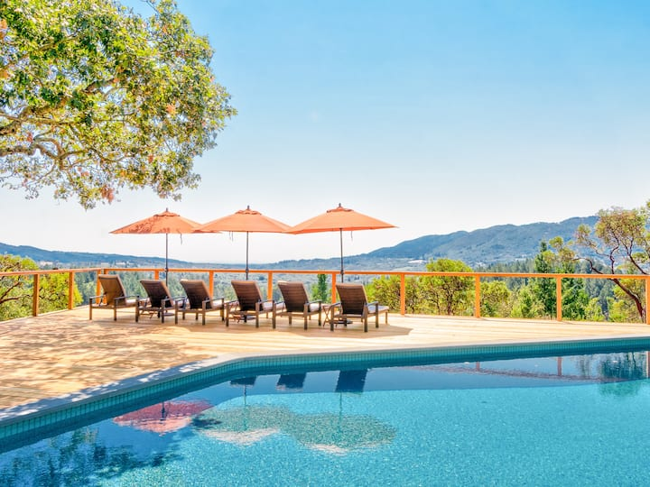 Cottage Amid Vineyards with Pool, Hot Tub & Views