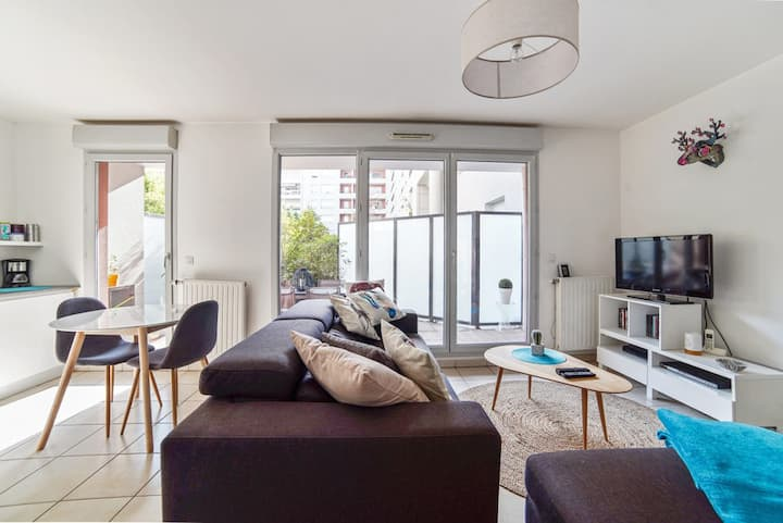 "52m2+Terrace+garage,near Park&Lyon""chic""district-)"