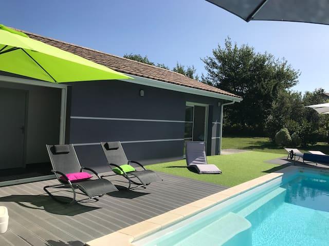 Villa avec piscine chauffée 500m lac de sanguinet