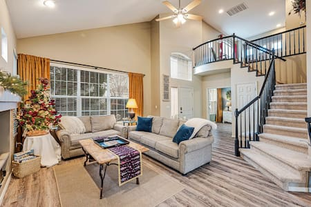 South Reno Home in Gated Community