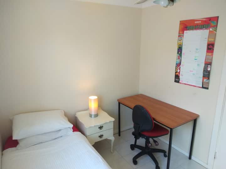 Single Room 7 -Female only - Monetebella Lodge