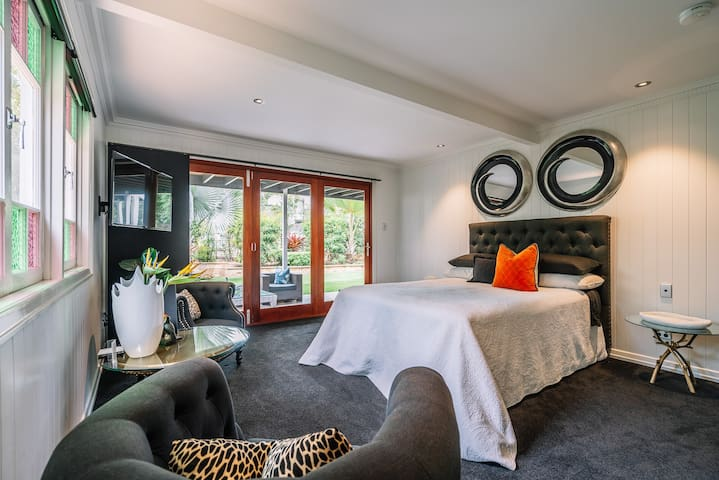 Luxurious private room with ensuite