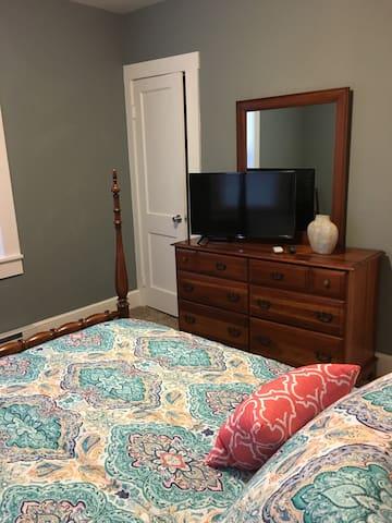 Bedroom 2  (1 Queen Bed includes TV)