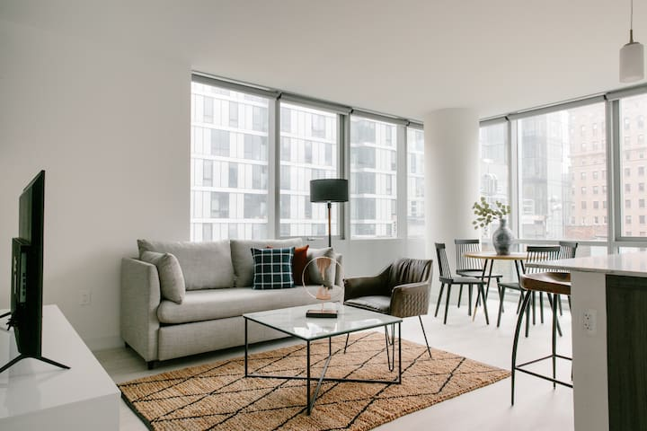 Sonder | Essex on the Park | Sleek 1BR + View