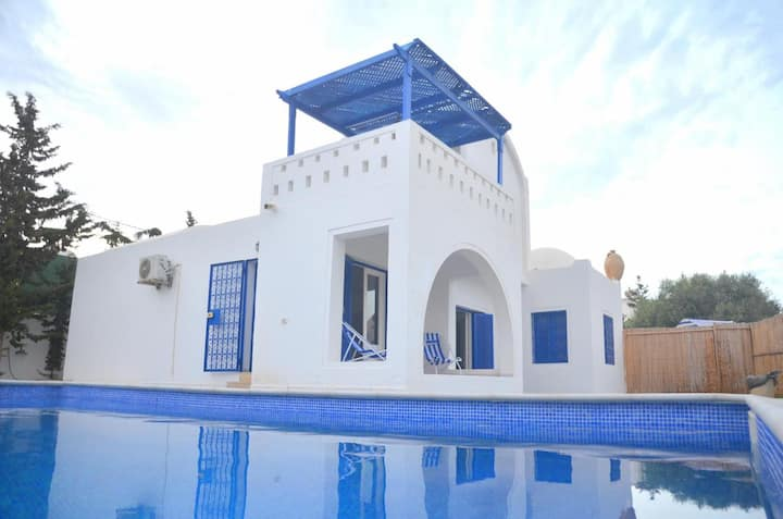 Villa Midoun, piscine privative située a Djerba
