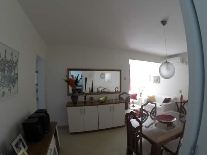 Ótimo apartamento a 200 metros da praia do forte