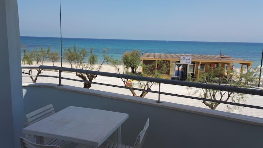 Appartamento Vacanze Torre San Gennaro - Torchiarolo - Huoneisto