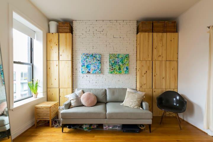 Sunny 2 Bedroom Designer Apartment in East Village