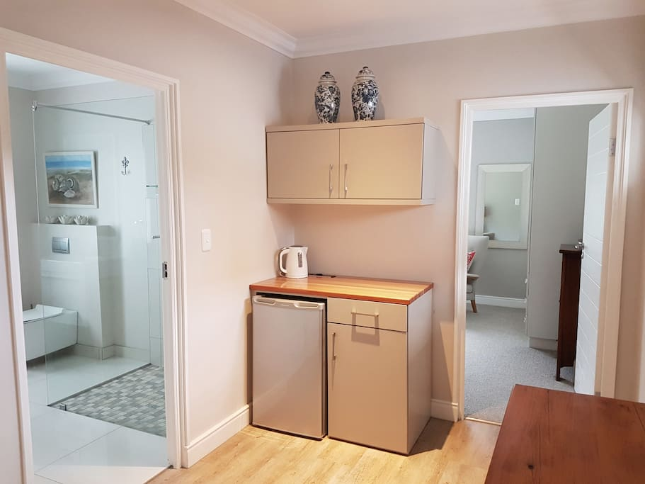 Kitchenette - kettle, fridge and microwave