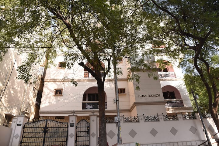 ANJANI MANSION -SERVICE APARTMENT-FIVE STORIED