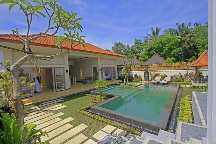 Villa Rumah Lumbung, 2 BR With Pool in Penestanan - Ubud - Casa
