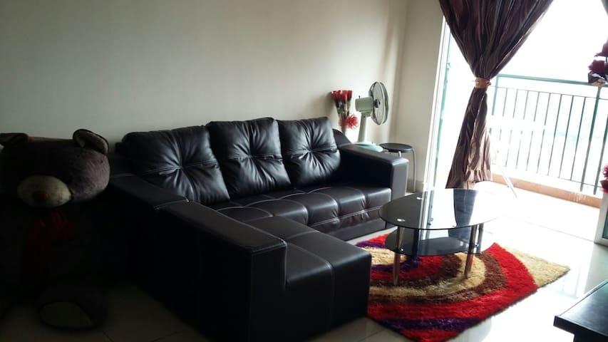 Comfortable, KLCC View Condo Room w Facilities - Kuala Lumpur - Byt