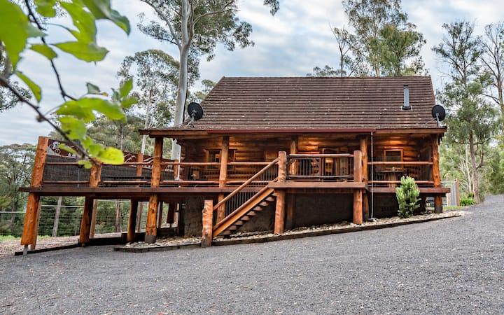Amaruq - Log Cabin Luxury